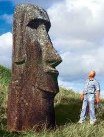 Thor Heyerdahl in Rapa Nui (Easter Island)